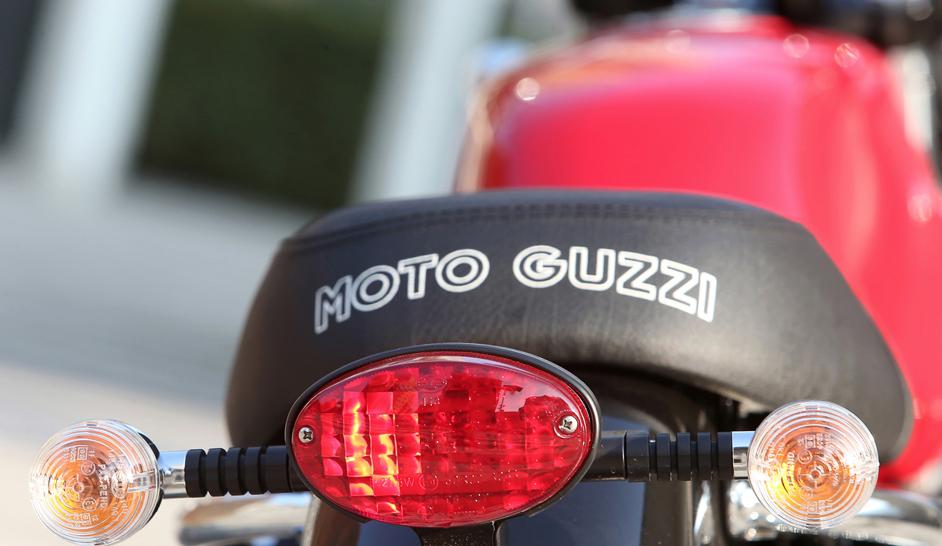 Moto guzzi Antwerpen vespashop V7 III SPECIAL f12