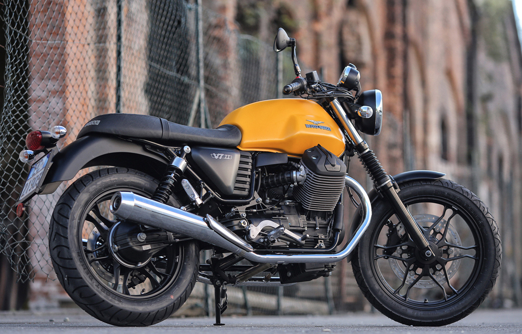 Moto guzzi Antwerpen vespashop V7 III Stone f11